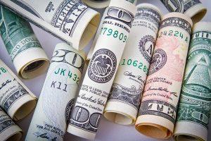 Bitcoin już po 8000 dolarów