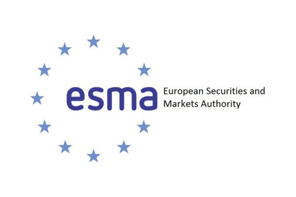 ESMA zajmuje się ochroną inwestorów na terenie Unii Europejskiej.