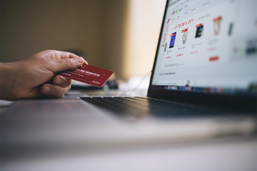 Płatność kryptowalutami za zakupy online jest nieunikniona